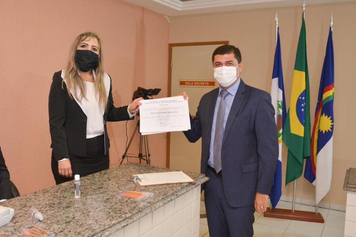 Diogo Alexandre é diplomado para quarto mandato como prefeito de Chã Grande