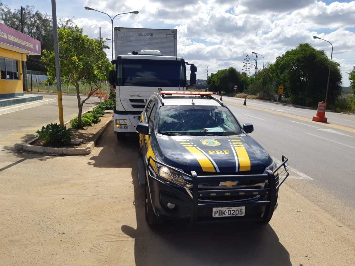 Motorista de carreta é detido por embriaguez ao volante em Garanhuns