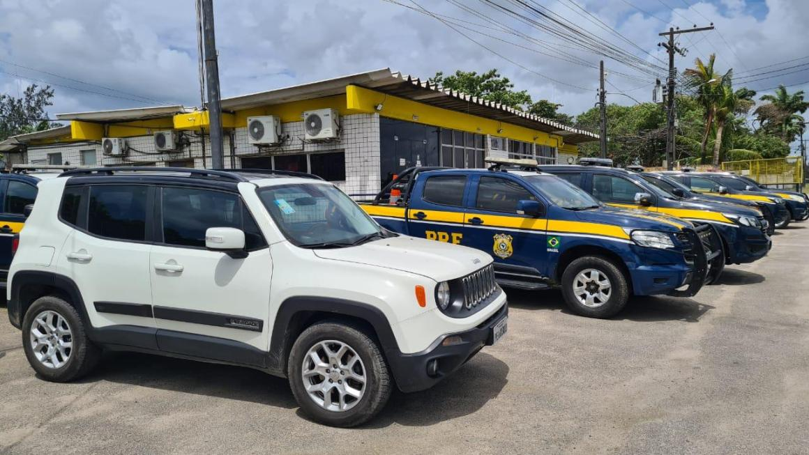 Dois homens são detidos com veículos roubados na Br 232; VEJA FOTOS