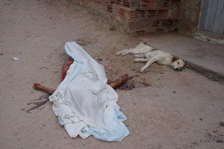 Bezerros: adolescente de 13 anos esfaqueada até a morte no 'Beco da Morte'