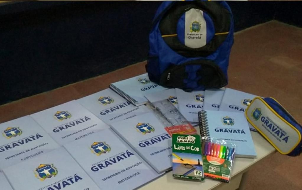 Gravatá: Prefeito Joaquim Neto inicia nesta quinta (17) entrega de kits escolares para alunos da rede municipal