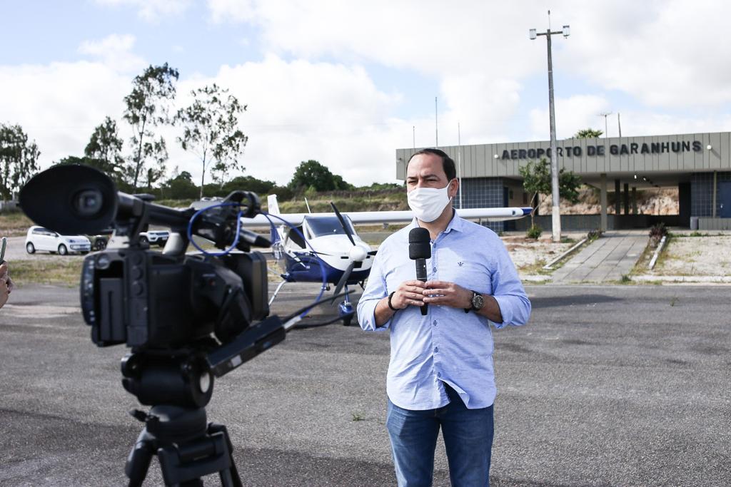 Prefeito Sivaldo Albino comemora requalificação do aeroporto de Garanhuns
