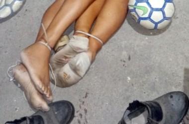 Empresário e esposa são encontrados mortos com os pés e as mãos amarradas