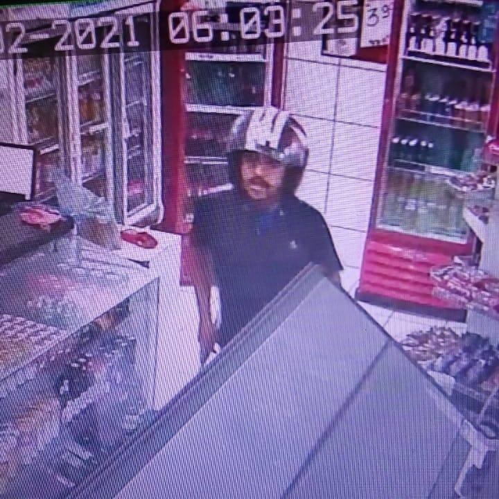 Câmara flagra assalto a loja de posto de combustível de Caruaru
