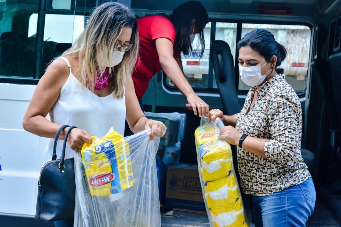 Secretaria de Assistência Social e Juventude de Gravatá realiza entrega de donativos ao Lar de Amparo ao Idoso