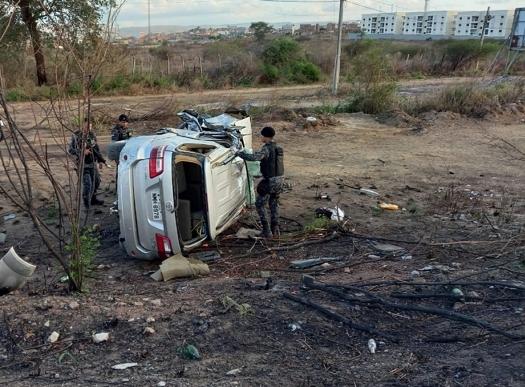 Caruaru: Passageiro de caminhonete morre após amigo condutor furar bloqueio policial