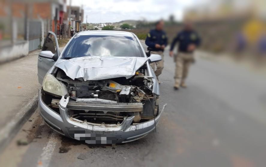 Motorista é detido com carro roubado após acidente em São Caetano