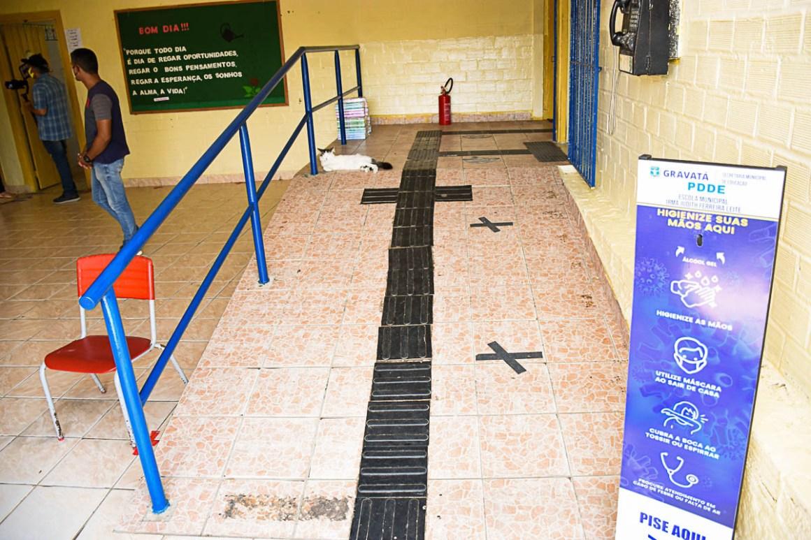 Gravatá: Equipe de inspeção da Secretaria de Educação visita escolas da rede municipal de ensino