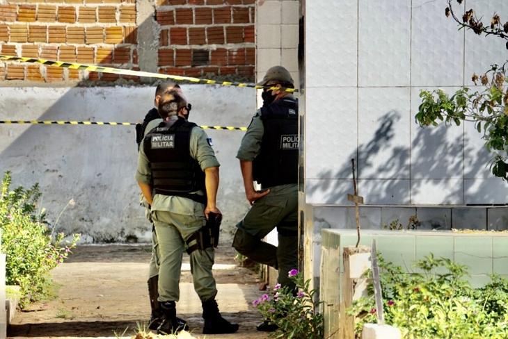Traficante mata usuário e joga corpo dentro de cemitério de Serra Talhada