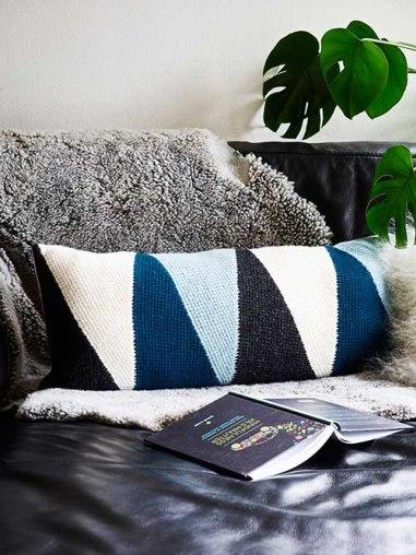 Cushion with triangulars