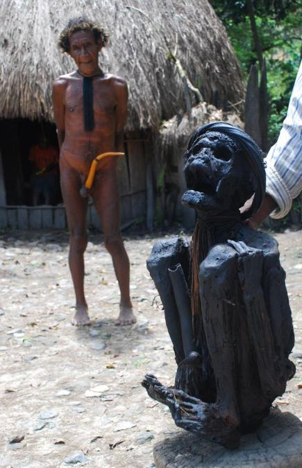 Mumia wodza - Papua