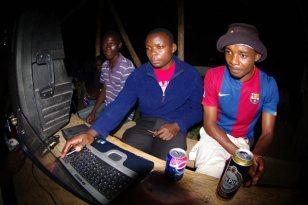 Van Pur Super Mocne 10% - rodzimy akcent w stolicy Sudanu Południowego. (Fot. Jakub Pająk)