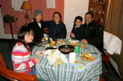 Po 2 tys. kilometrów podróży autostopem, w Chillan spotkałem się z moimi przyjaciółmi. (Fot. Kuba Fedorowicz)