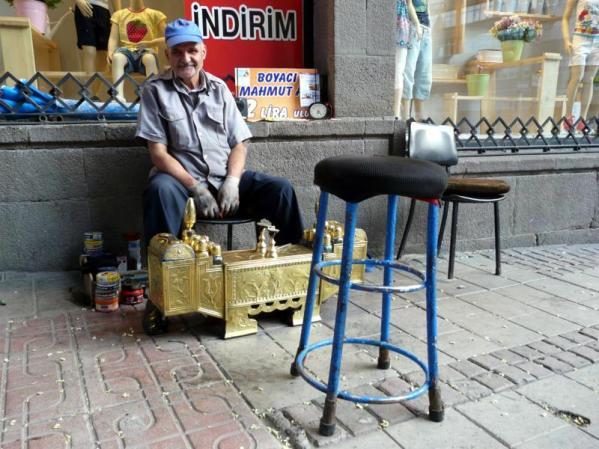 Pucybut - popularny w Turcji zawód