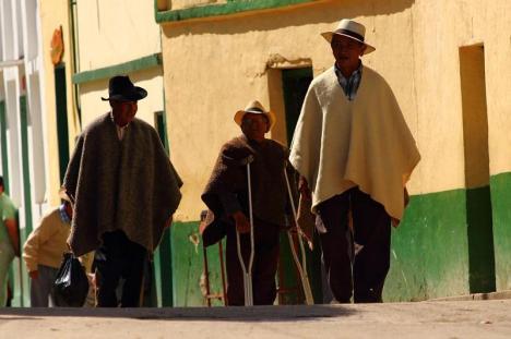 Mieszkańcy kolumbijskiego Guican w tradycyjnych strojach
