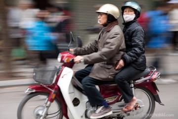 5. WIETNAM, Hanoi. Szacuje się, że w samym tylko Hanoi jest ponad 3 miliony skuterów. (Fot. Jakub Puchalski)