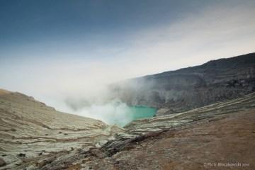 Droga do krateru Kawah Ijen.