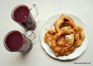 Boliwia. Słodkie sniadanie - pączki i napój z kukurydzy