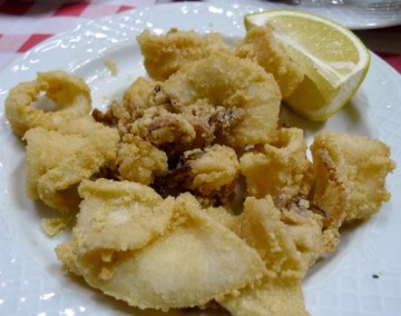 Kolejnym po tapas nieodłącznym elementem hiszpańskiej kuchni są owoce morza. (Fot. Jagoda Pietrzak)