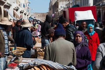 Tłoczne ulice to standard w trakcie podróży do Maroka
