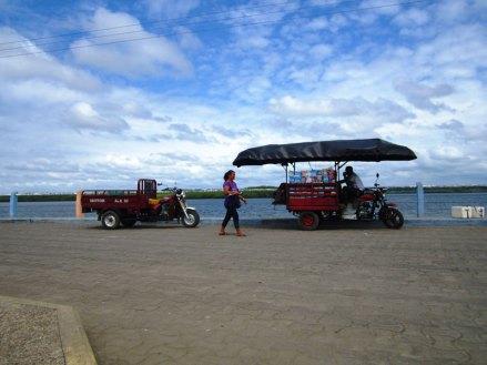 Sprzedawcy na molo w San Lorenzo