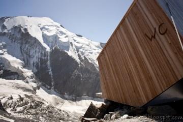 toaleta na wysokości prawie 3200m n.p.m.