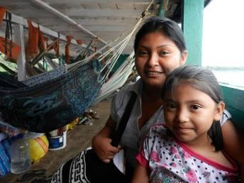 Podróż promem w Peru