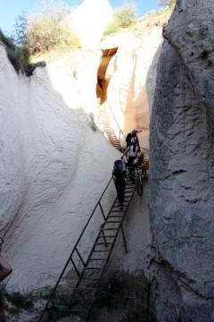 Turyści w Kapadocji w Turcji
