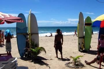 Surferzy na Bali