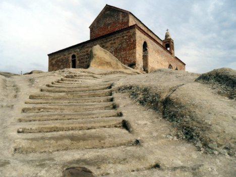 Turystyka w Gruzji - cerkiew w Upliscyche