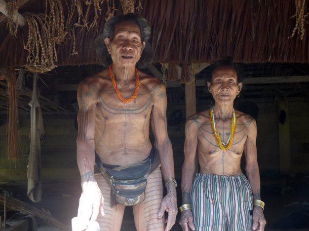 Indonezja - plemienne tatuaże