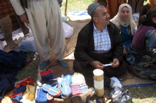 Iracki Kurd w tradycyjnym stroju
