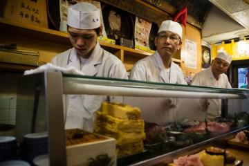 W restauracji sushi - zdjęcia z Tokio