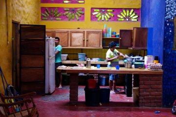 Szkoła Komedii i Mima w Granadzie - zdjęcia z podróży przez Nikaraguę