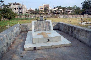 Kolhapur, Indie - Cmentarz chrześcijański