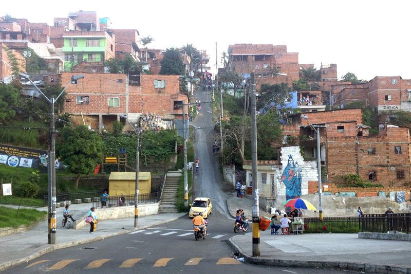 Slumsy Medellin, zdjęcia z podróży do Kolumbii