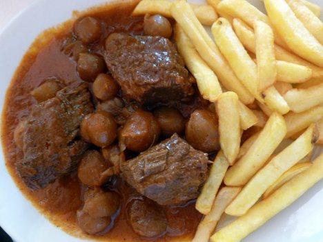 Kuchnia grecka - stifado na Korfu