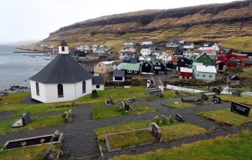 XIX-wieczny kościół na Wyspach Owczych - foto