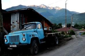Ciężarówka w gruzińskiej Swanetii