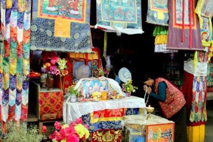 Litang - Dalajlama w światyni