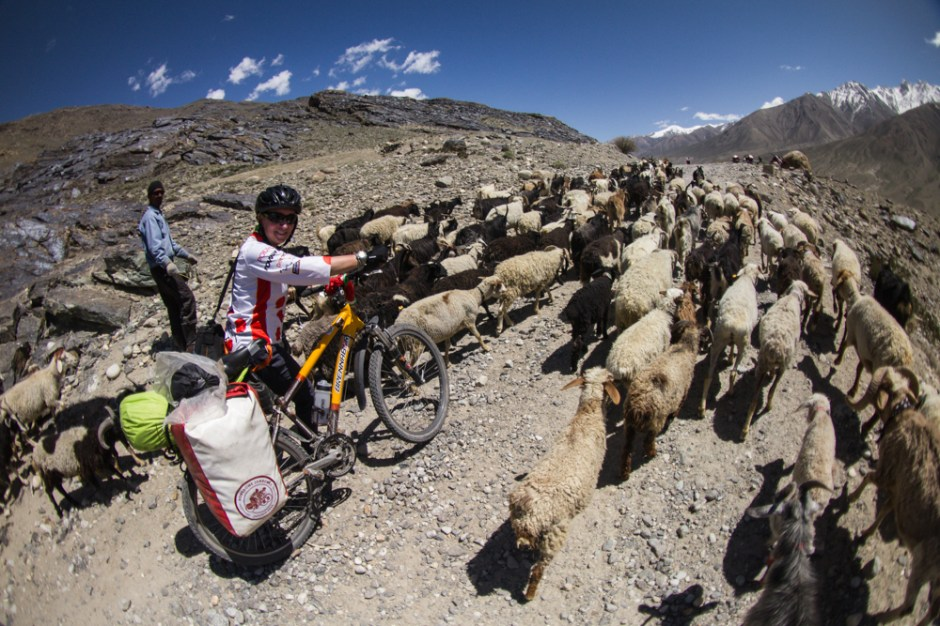 Rowerowa wyprawa przez góry Pamiru