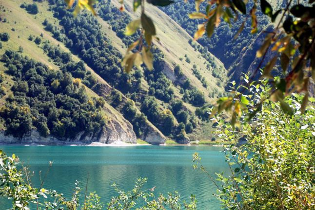 Szmaragdowe wody jeziora Kiezenoj-Am