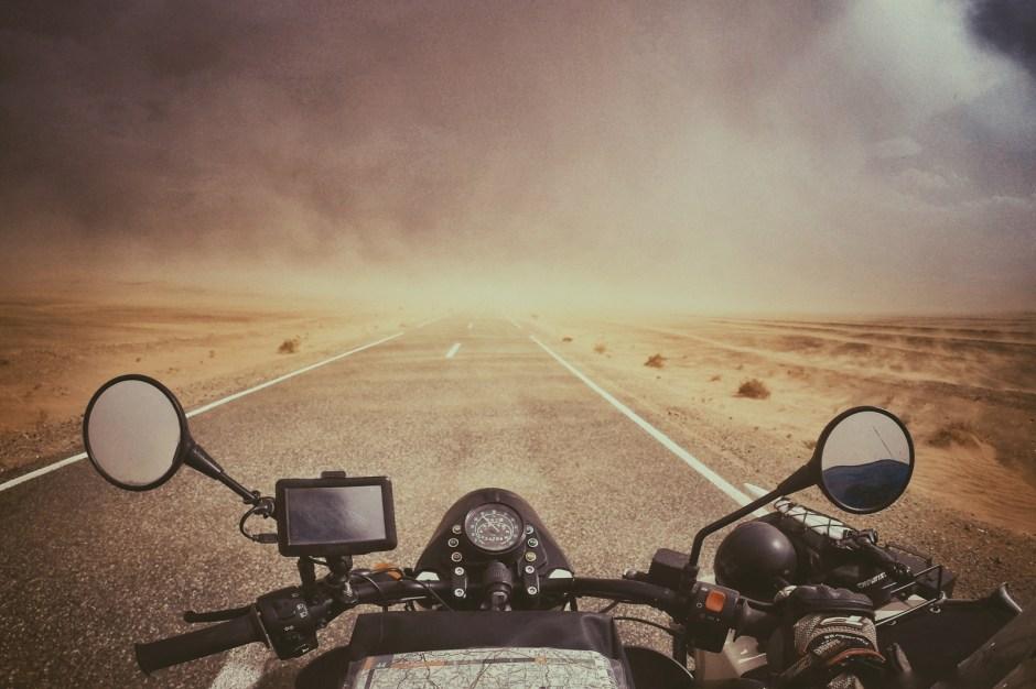 Motocyklem przez Maroko, Sahara, Fot. Mihai Barbu