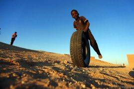 Obozy Saharyjczyków, Wszystkie ziarna piasku, Bartek Sabela