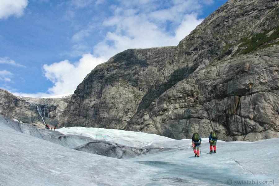 Trekking po lodowcu w Norwegii