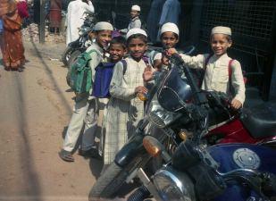 Waranasi (Benares), mali muzułmanie