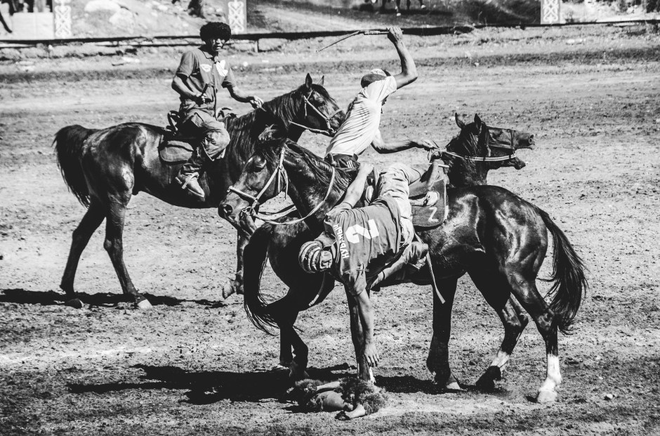 Sport w Kirgistanie - kukburu, buzkaszi