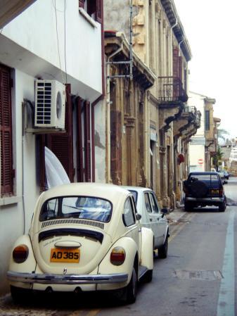 Cypr, Nikozja, wąska ulica w tureckiej części