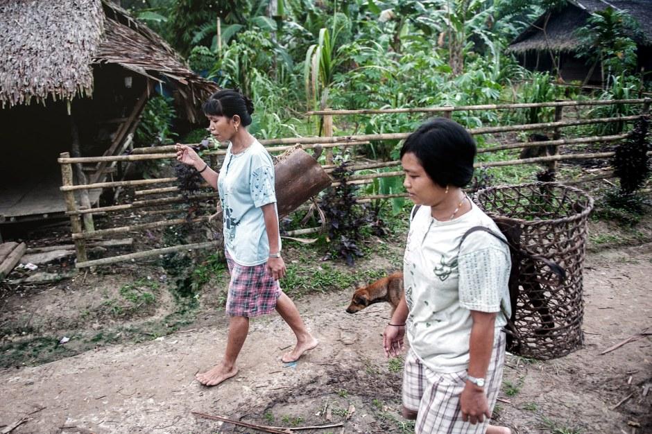 Kobiety Mentawajóe, Zdjęcia z wyspy SIberut w Indonezji