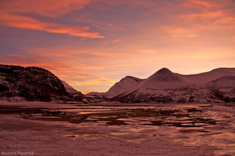 Mørsvikbotn w Norwegii - zima na fotografiach